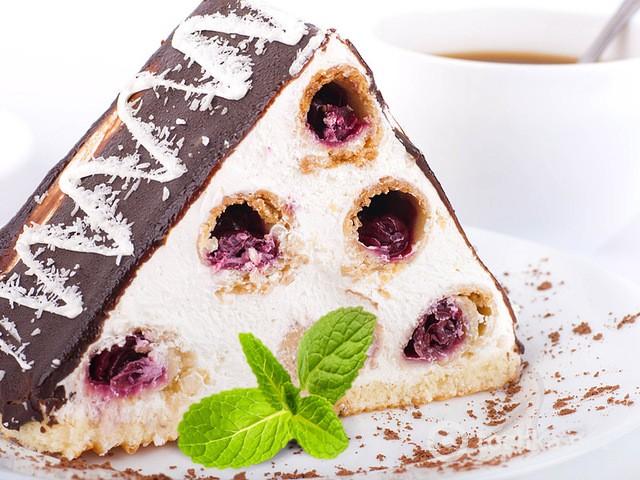 Торт монастырская изба с вишней фото